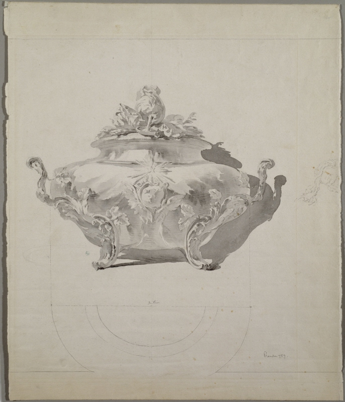 Tureen Ornated with the Lesser Swedish Coat of Arms and North Star
