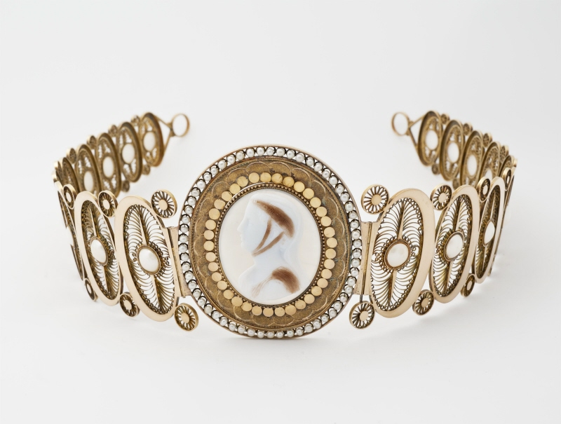 Early Modern and Modern Art Jewelry